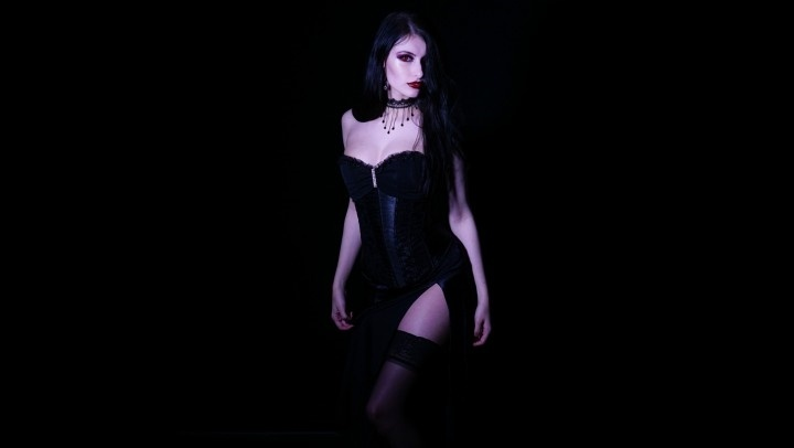 junemoorexxx red eyes red lips vampire striptease – JuneMooreXXX – Cosplay, Wet & Messy