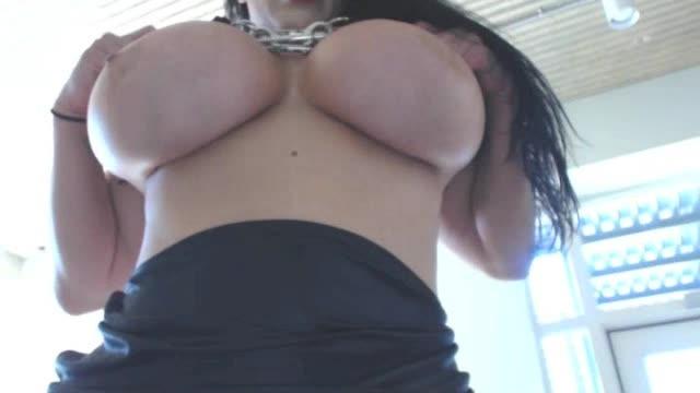 कोरिना कोवा मेरे स्तन और मुंह से सह का उपयोग करें - कोरीना कोवा - नौकरियां, तेल