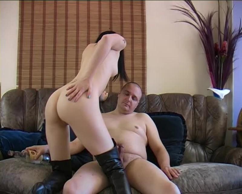 beefybanger hot slim goth gives me a naked lap dance – BeefyBanger – Nudity/Naked, Lap Dance