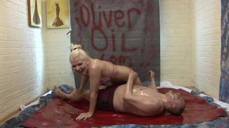 beefybanger me amp nikki wresle in baby oil – BeefyBanger – Mixed Wrestling, Bikini