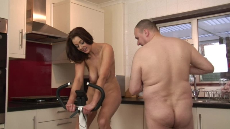 beefybanger sapphire nudist kitchen work out view 3 – BeefyBanger – Bouncing Boobs, Nudity/Naked