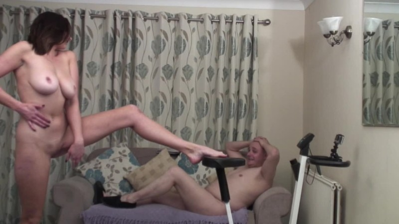 beefybanger sapphire workout my lazy day view 1 – BeefyBanger – Nudists, Workout/Gym