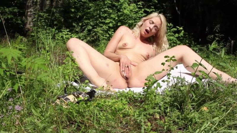 hello linnaea nature walk masturbation hd – Hello Linnaea – Outdoors, Masturbation
